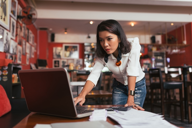 Entrepreneur evaluates business