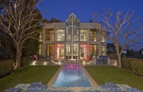 Rihanna Beverly Hills rental