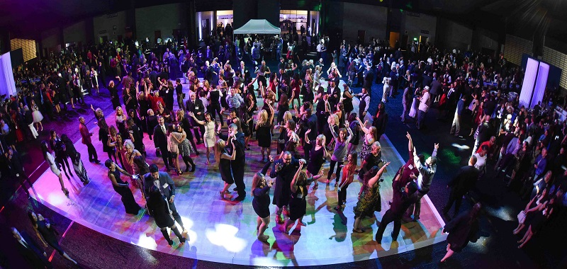 imortgage-holiday-party-dancing-800
