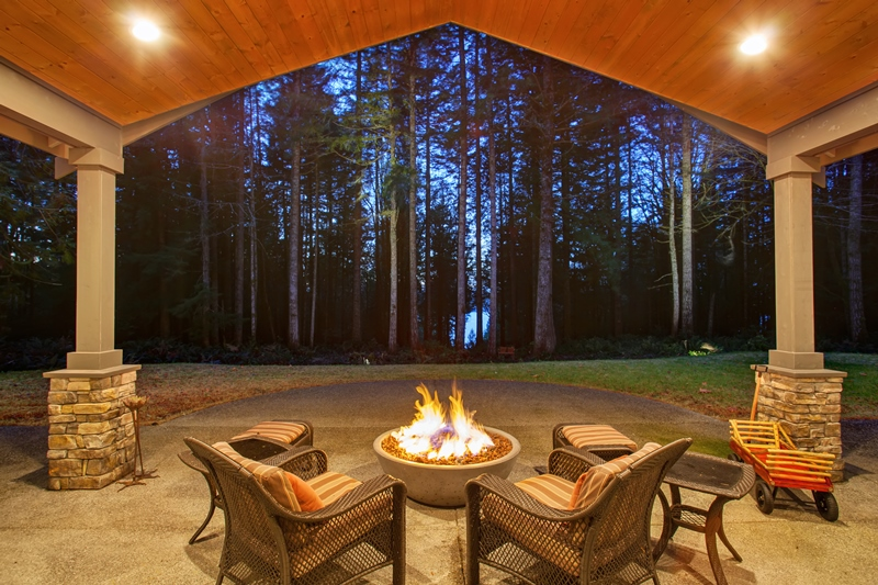 outdoor fireplace fire pit